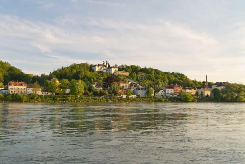 Donau-Bank Passau lizenzfreies stockfoto