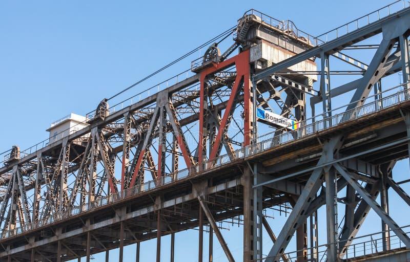 Donau-Brückenfragment Stahlfachwerkbrücke stockfotos