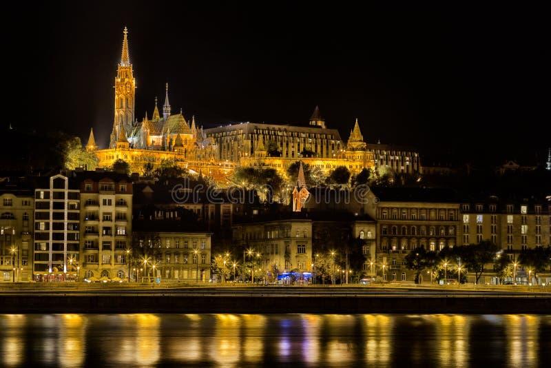 Donau-Nachtansicht in Budapest stockbild