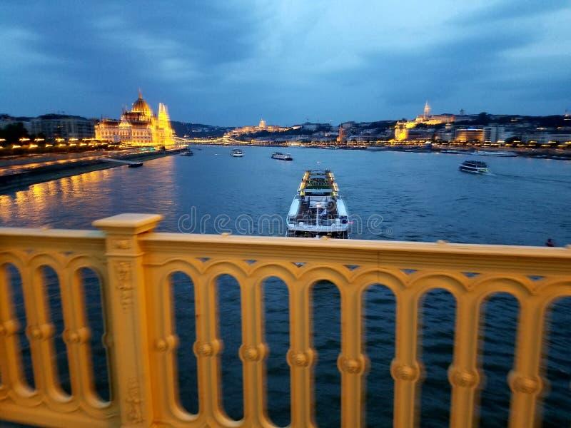 Donau von Margaret Bridge Budapest stockfotos