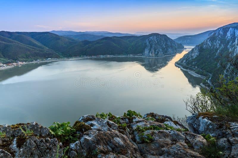 Donauklyftorna, Rumänien fotografering för bildbyråer