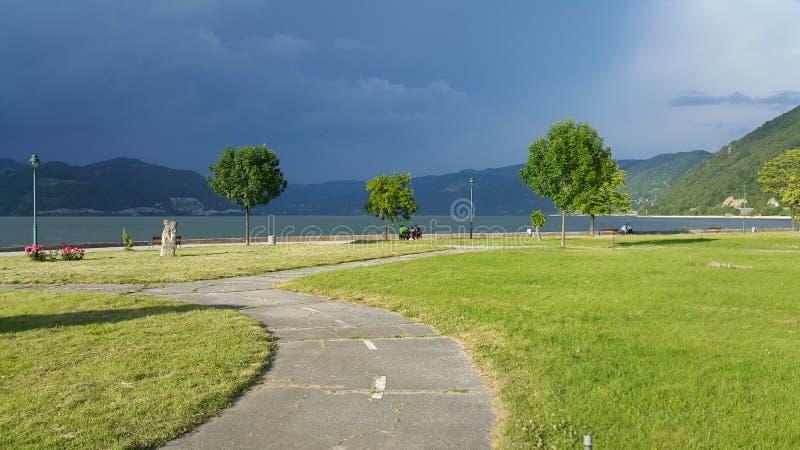 Donaukust på Gornji Milanovac arkivfoton