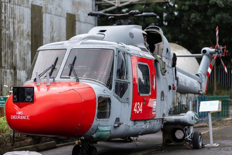 DONCASTER, R-U - 28 JUILLET 2019 : L'hélicoptère de Lynx de la résistance de HMS - le navire royal de glace de marine image libre de droits