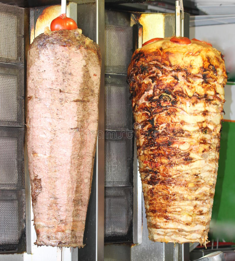 Doner turecki kebab. Wołowina i kurczak. obraz stock