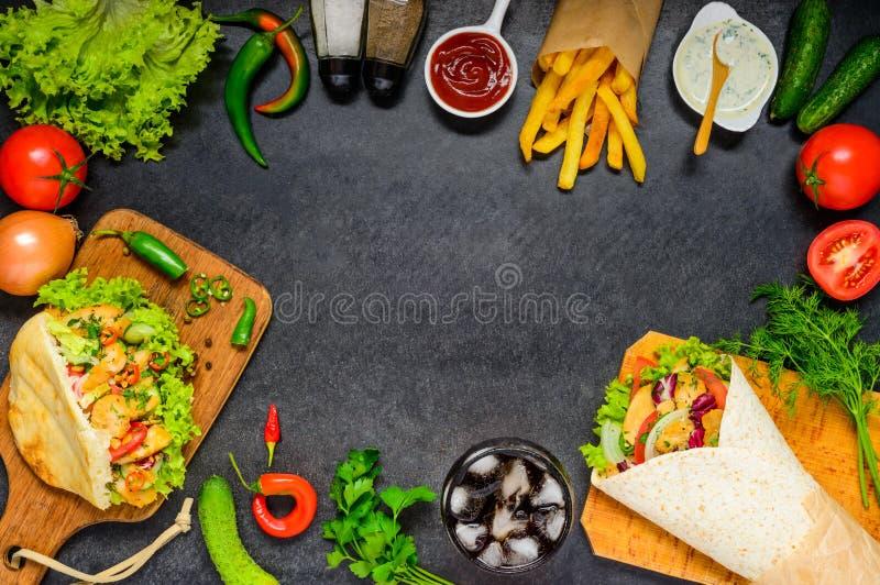 Donerkebab en Shawarma met Exemplaar Ruimtekader stock foto's