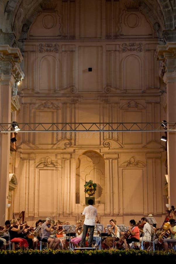 Donetsk-Opern-Orchesterwiederholung stockbilder