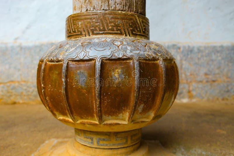 DONG VAN, HA GIANG, VIETNAM, il 27 ottobre 2018: Pietra che scolpisce alla casa del Vuong, provincia di Ha Giang, Vietnam immagini stock libere da diritti