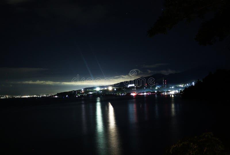 Dongala/'s nachts Palu City stock afbeeldingen