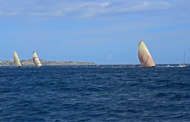 Dongfeng Z Dużym Headsail W górę Volvo oceanu rasy Alicante 2017 obrazy royalty free