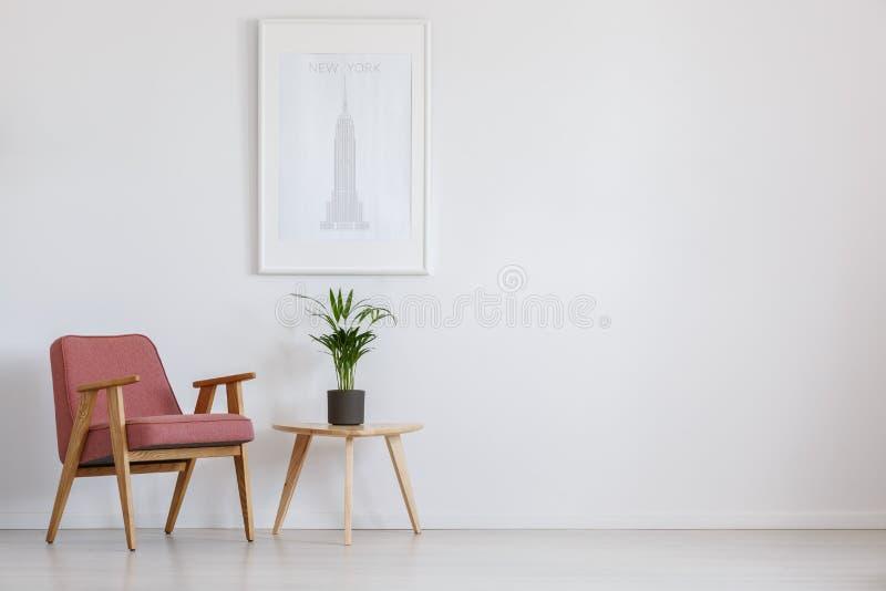 Doniczkowa roślina na stole obraz stock