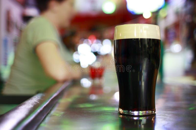 Donker bier stock foto's