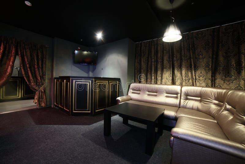 Donker binnenland van Europees casino royalty-vrije stock afbeeldingen
