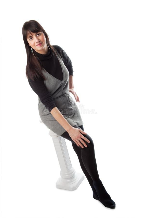 Donkerbruin meisje in zwarte royalty-vrije stock foto's