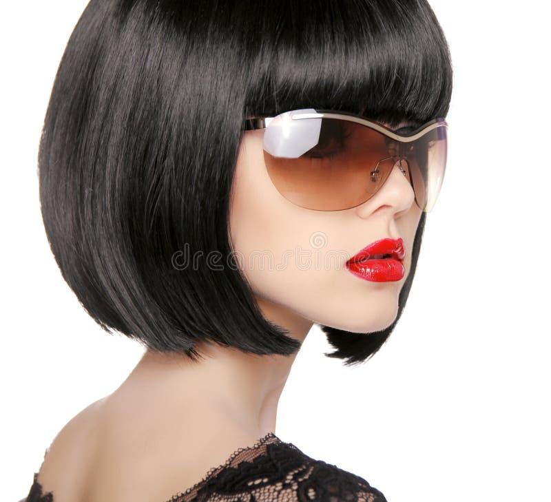 Donkerbruin Model in manierzonnebril Mooie wi van de glamourvrouw stock afbeelding