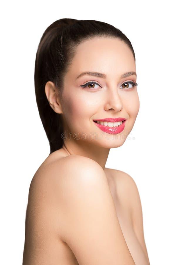 Donkerbruine schoonheid in lichte make-up royalty-vrije stock fotografie