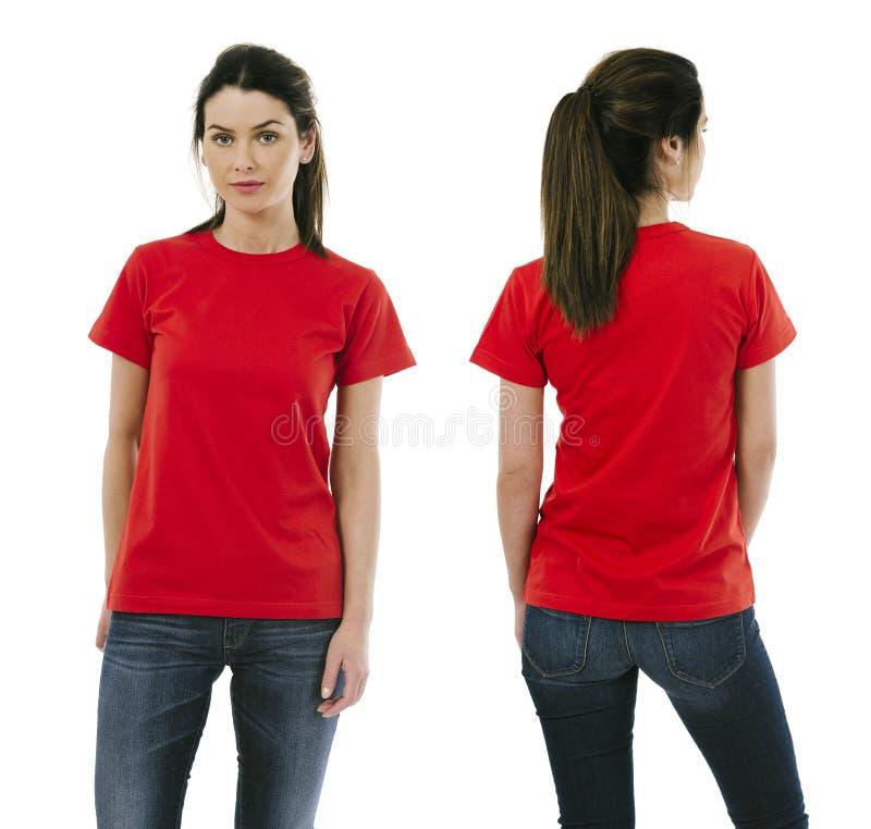 Donkerbruine vrouw die leeg rood overhemd dragen royalty-vrije stock foto