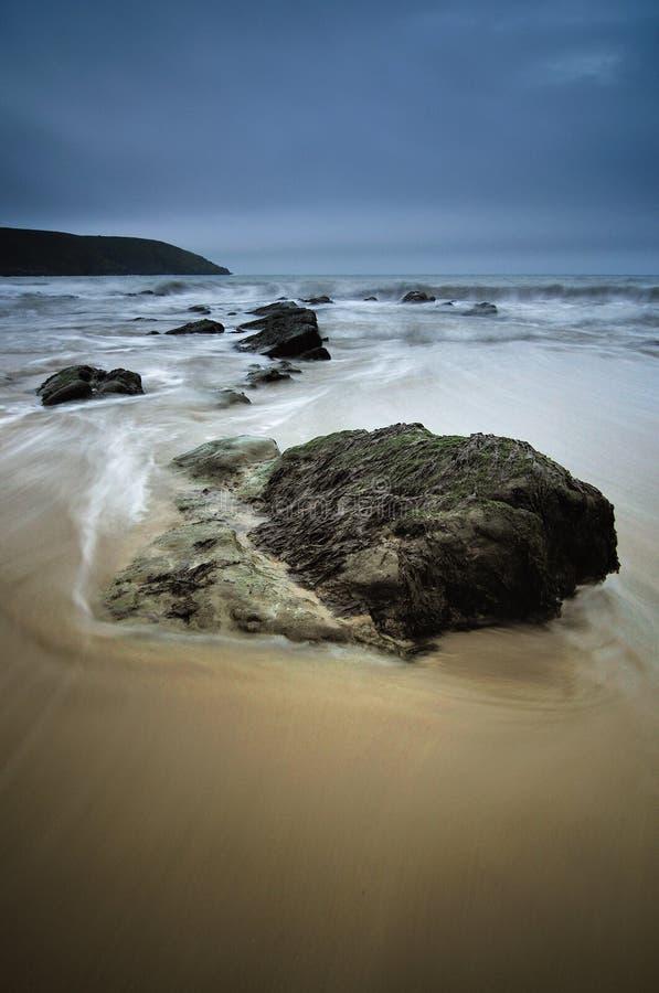 Donkere dag bij het strand royalty-vrije stock afbeelding