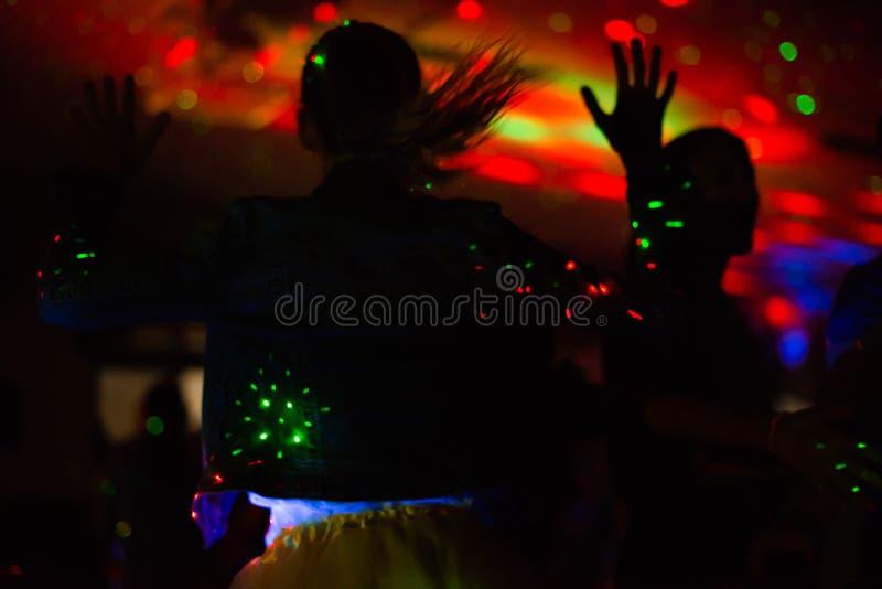 Donkere de partijsilhouetten van de discodans stock afbeeldingen