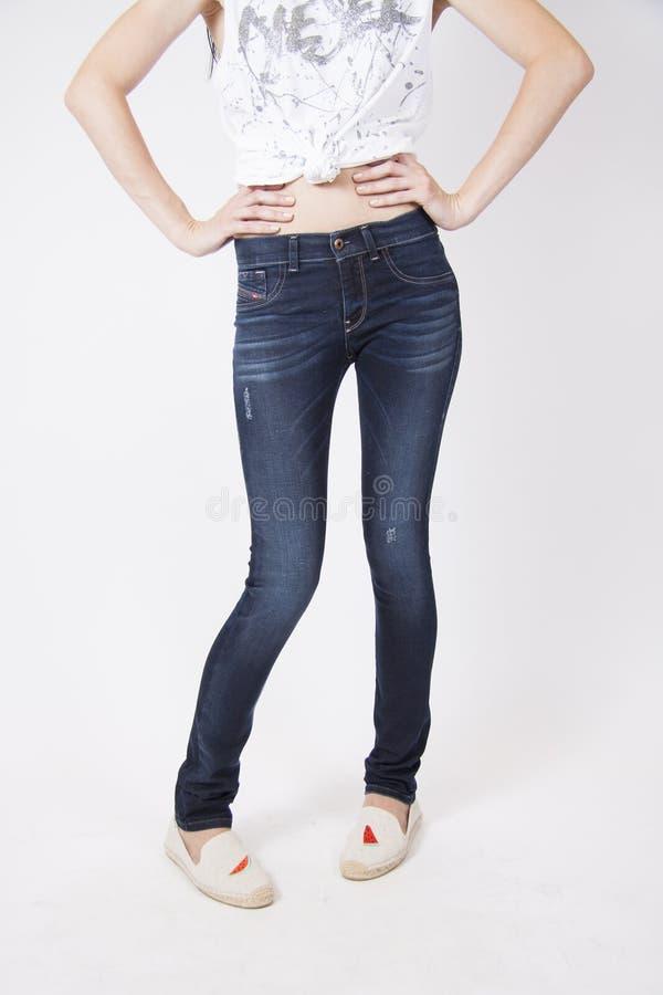 Donkere elegante jeans royalty-vrije stock fotografie