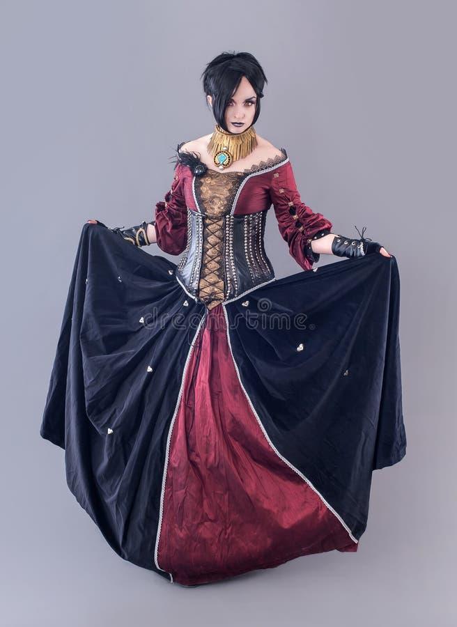 Donkere gotische vrouw royalty-vrije stock afbeeldingen