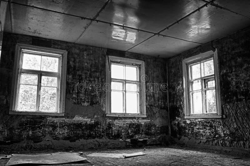 Donkere Grungy Verlaten Zaal stock afbeeldingen