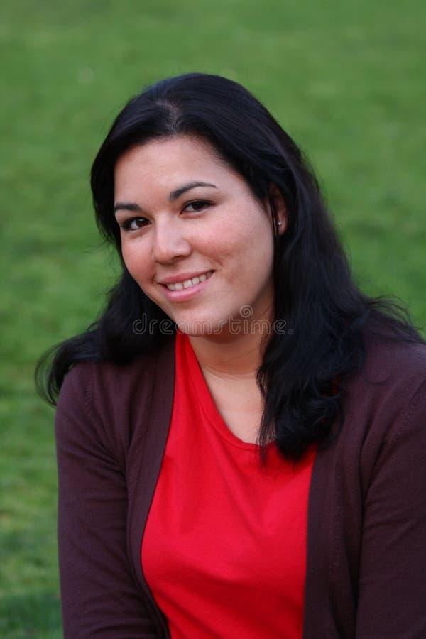 Donkere haired vrouw stock fotografie