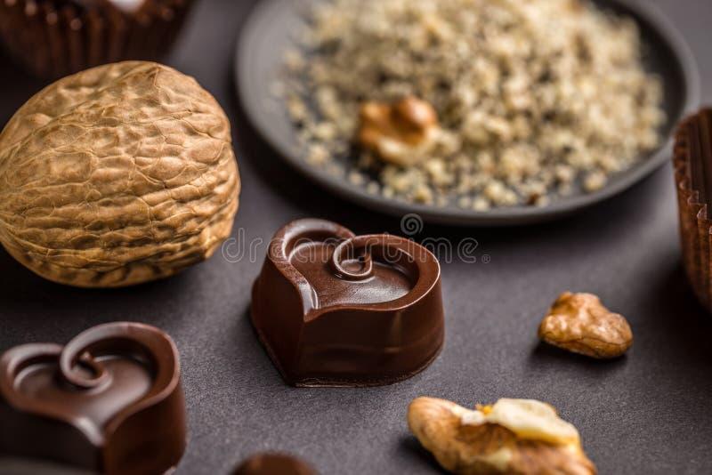 Donkere hart gevormde chocolade stock afbeelding