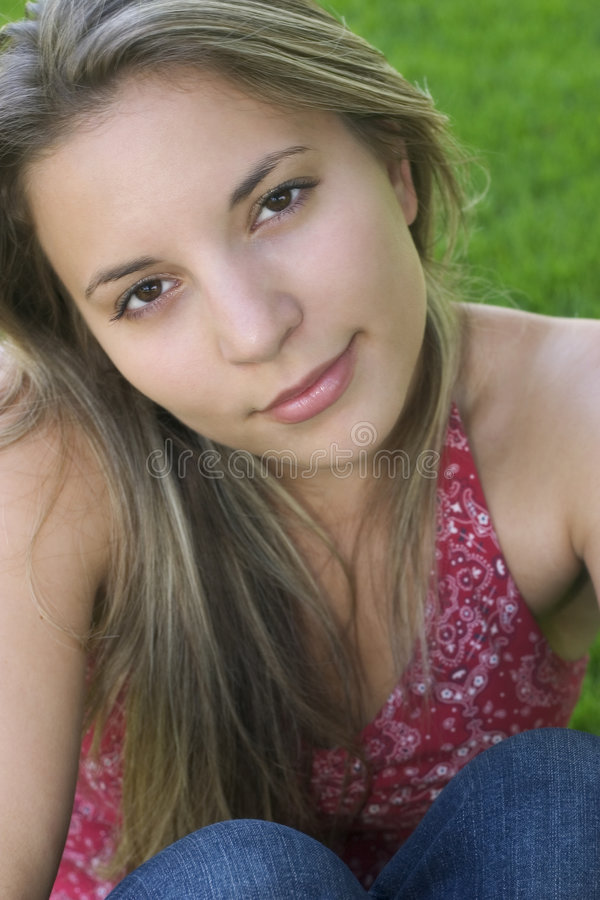 Download Donna immagine stock. Immagine di adolescente, sorriso - 208143