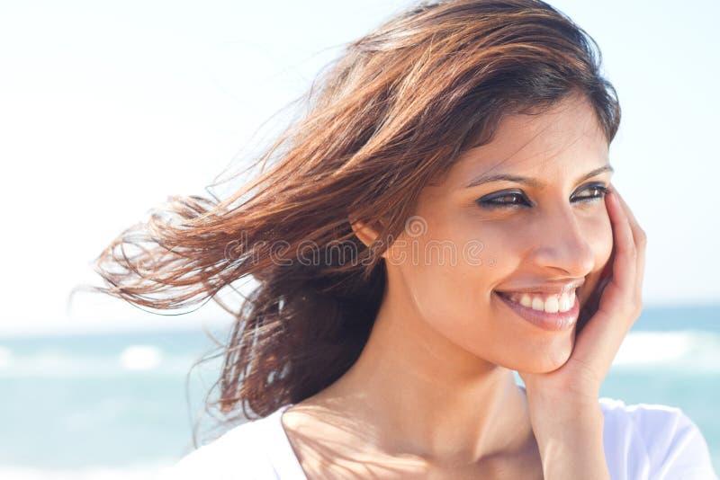 Donna abbastanza indiana fotografie stock libere da diritti