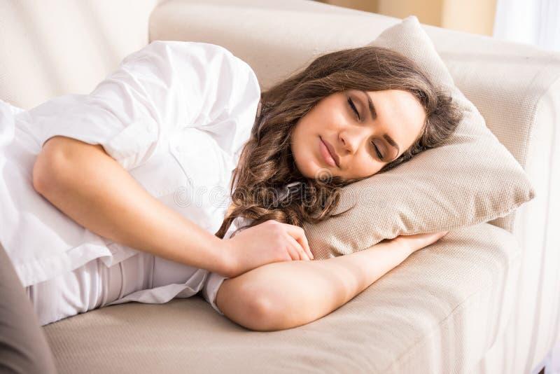 Donna addormentata fotografia stock libera da diritti