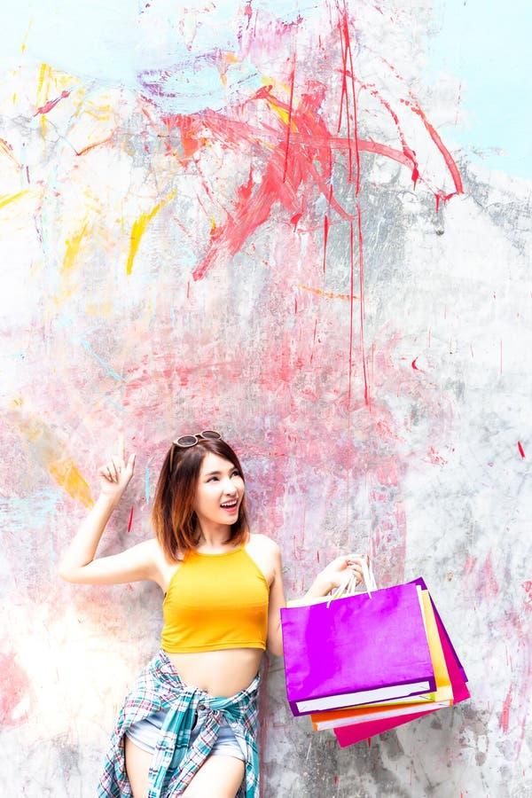 Donna affascinante del cliente del ritratto bella Bello attraente fotografie stock