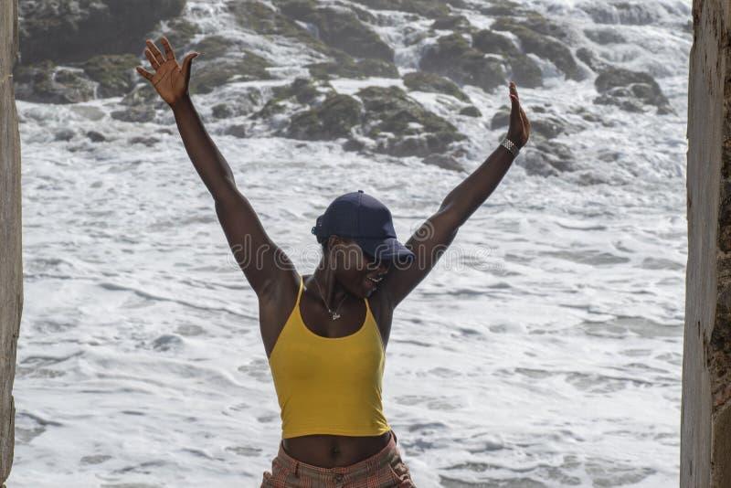 Donna africana nella libertà fotografia stock libera da diritti