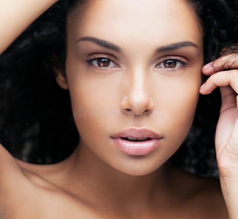 Donna africana sensuale fotografie stock libere da diritti