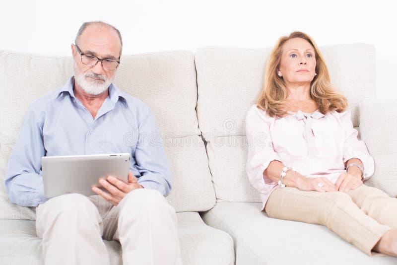 Download Donna Anziana Allo Psicologo Immagine Stock - Immagine di tablet, malattia: 55352149