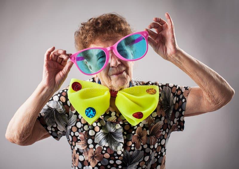Donna anziana di divertimento immagine stock