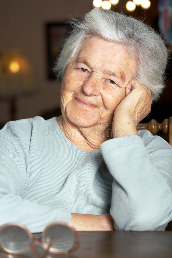 Donna anziana piacevole immagini stock