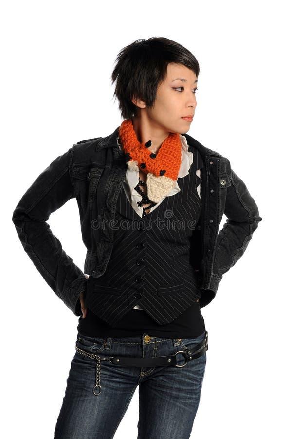 Donna asiatica in vestiti casuali fotografia stock libera da diritti