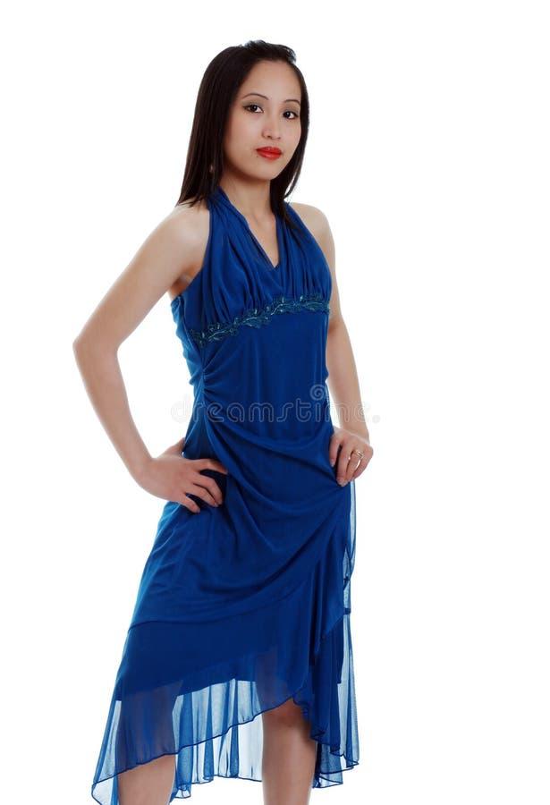 Donna asiatica in vestito blu fotografia stock libera da diritti