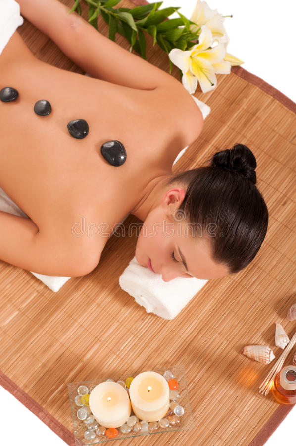 Donna attraente che ottiene trattamento della stazione termale. immagine stock libera da diritti