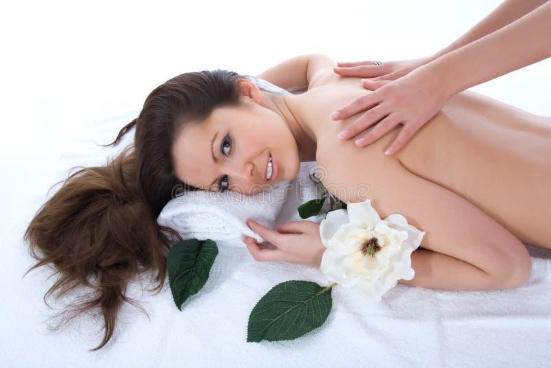 Donna attraente che ottiene trattamento della stazione termale immagini stock libere da diritti