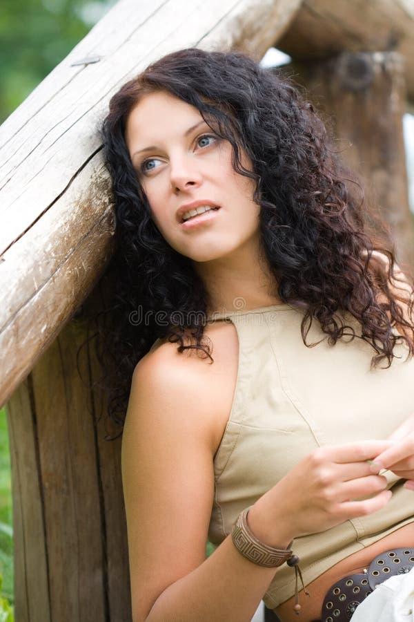 Donna attraente del brunet fotografia stock