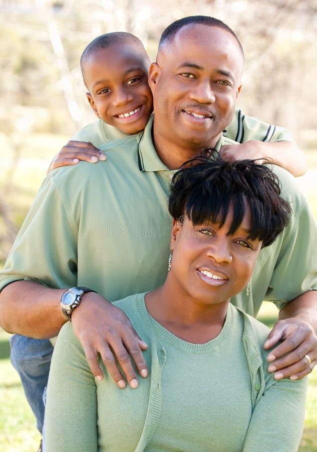 donna attraente dell'uomo del bambino dell'afroamericano immagini stock libere da diritti