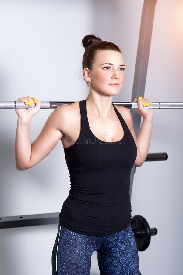 Donna attraente di forma fisica, corpo femminile formato immagini stock libere da diritti