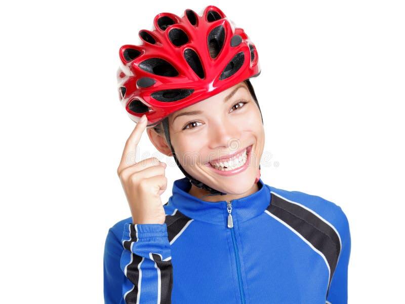 Donna Biking del casco isolata immagine stock