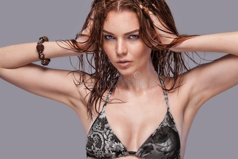 Donna in bikini fotografia stock