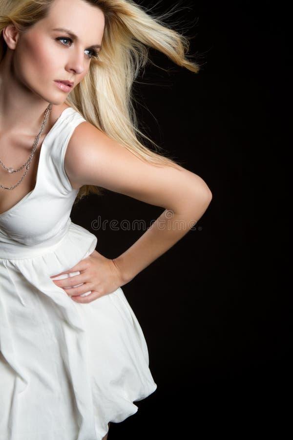 Donna bionda di modo immagini stock