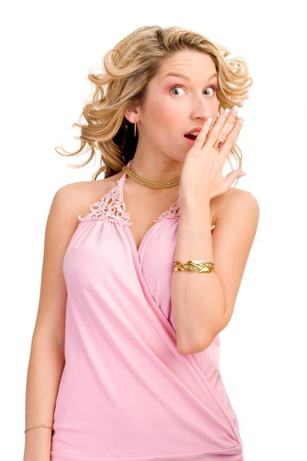 Download Donna Bionda Gli Che Mostra Emozione Immagine Stock - Immagine di trucco, grido: 7306831