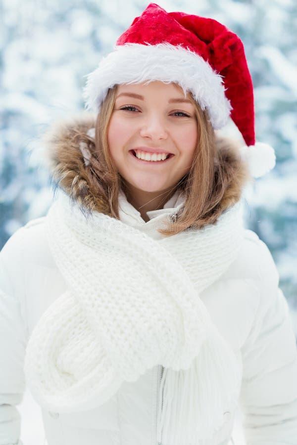 Donna in cappuccio Santa Claus immagini stock