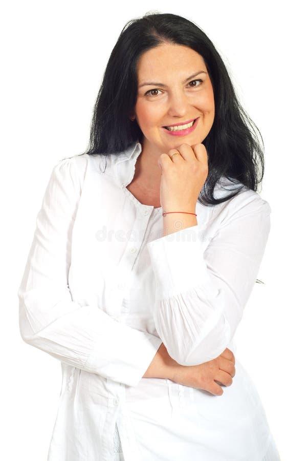 Download Donna Casuale Sorridente Nel Bianco Immagine Stock - Immagine di armi, attraente: 30829165