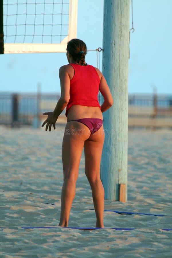 Donna che aspetta la sfera di scarica. immagini stock